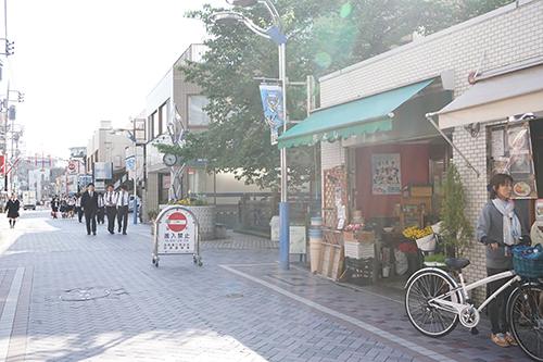 法政通り商店街
